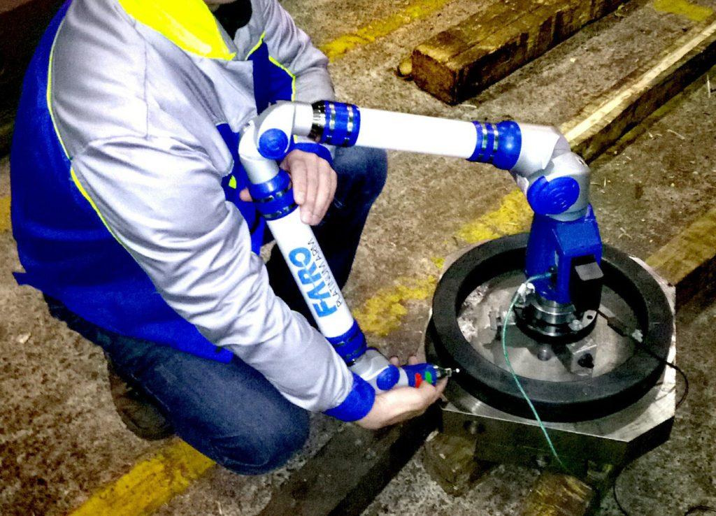Измерение диматеров деталей на контрольно-измерительной машине